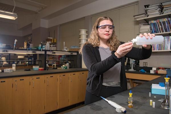 Chemistry major Abby Kreznor '18